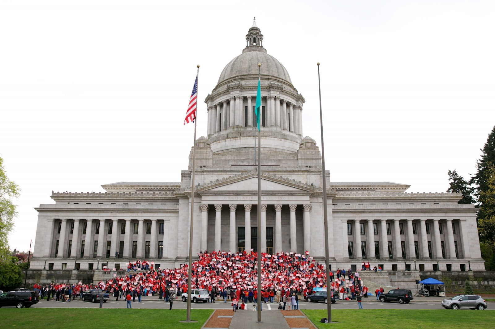 1 000 Teachers Rally In Olympia Washington State House