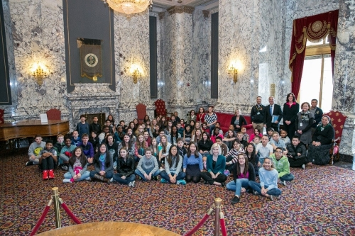 It was a pleasure meting with 7th-grade students from Pioneer Middle School. Here we are in the State Reception Room on the second floor of the capitol dome in Olympia. Photo by Osta Davis.
