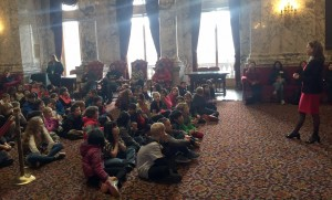 Rep. Senn speaks with Woodridge Elementary students