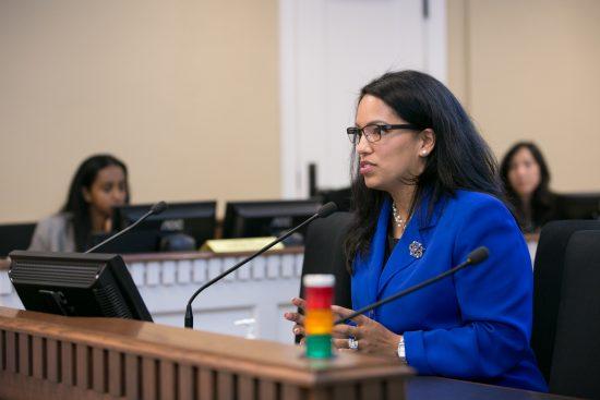 Rep. Kristine Reeves testifying in committee on legislation