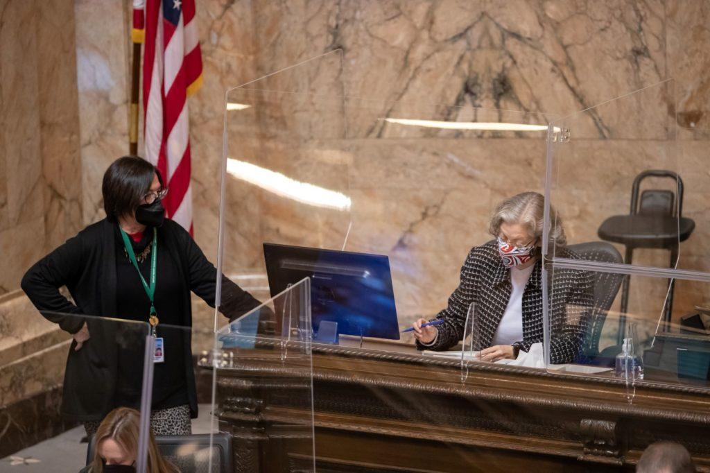 Speaker Jinkins signing bills at rostrum